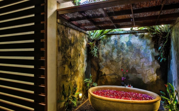 Bathroom di Bliss Ubud Spa & Bungalow