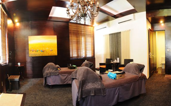 Massage di Blue Point Bay Villas & Spa