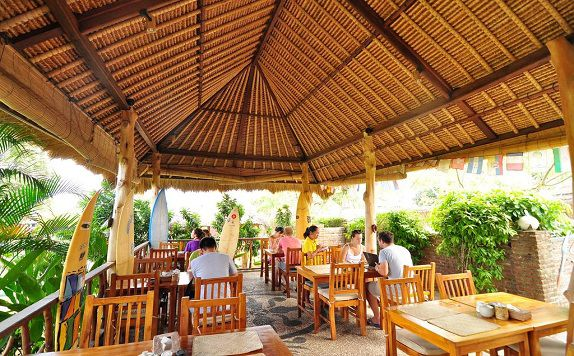 Restaurant di Brothers Bungalows