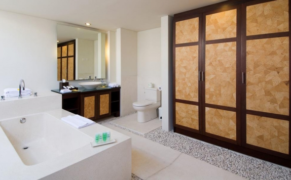 Bathroom di Bumi Linggah The Pratama Villas