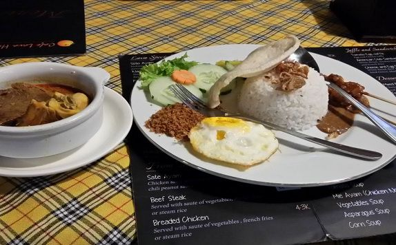 Food & Drink di Café Lava Hostel