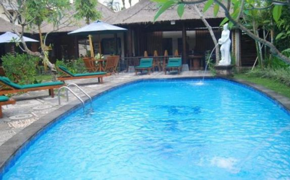 swimming pool di Casa Ganesha Ubud