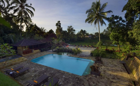 Swimming Pool di Cempaka Belimbing Villas