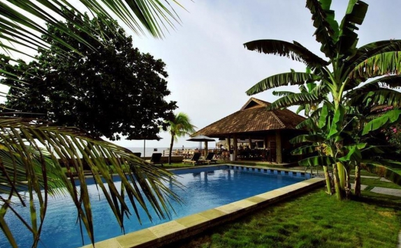 Swimming Pool di Cocotinos A Boutique Dive Resort & Spa