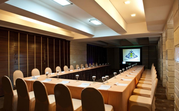 meeting room di Crown Victoria Hotel