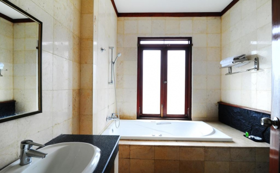Bathroom di Dago Highland Hotel