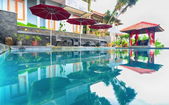 Swimming pool di Dago Highland Hotel