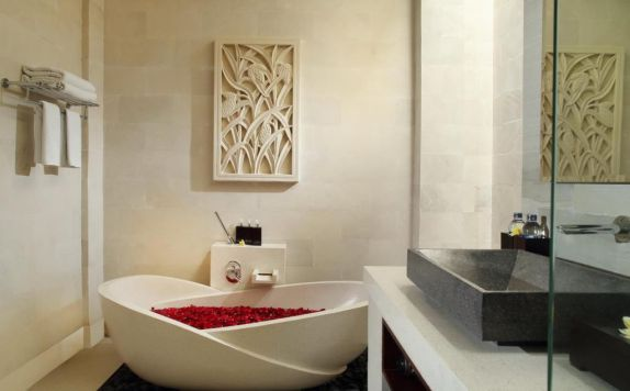 bathroom di Daluman Villas
