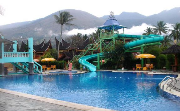 Swimming Pool di Danau Dariza Hotel & Resort