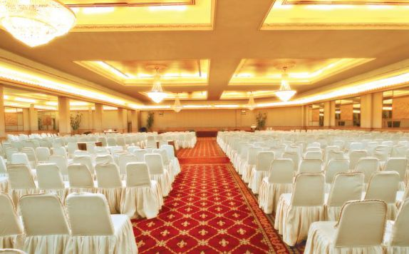 Ballroom di Danau Toba International Hotel