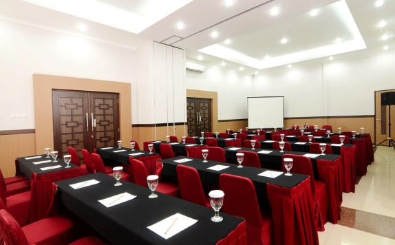 Meeting room di D Arcici Plumpang