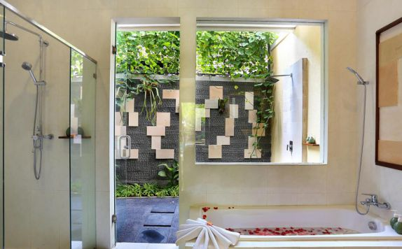 bathroom di Dbulakan Boutique Resort Ubud