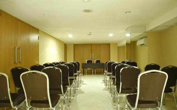 Meeting room di D cozie Hotel by Prasanthi