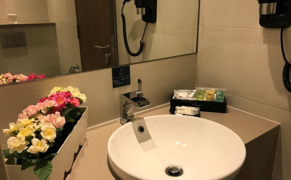 Bathroom di DeResort Hotel