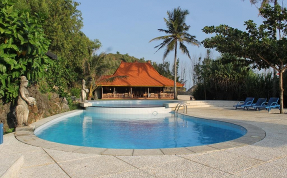 Swimming pool di Desa Limasan Retreat
