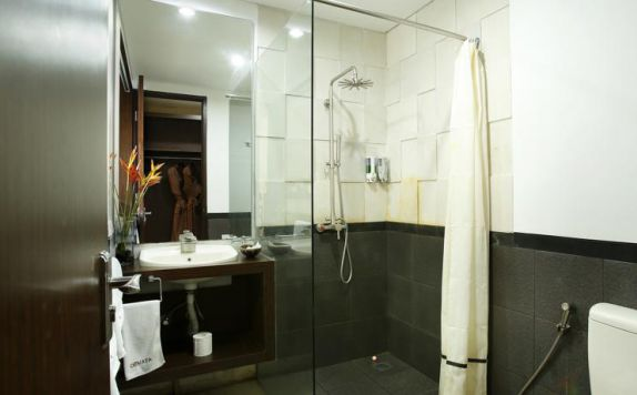 bathroom di Devata Suite and Residence