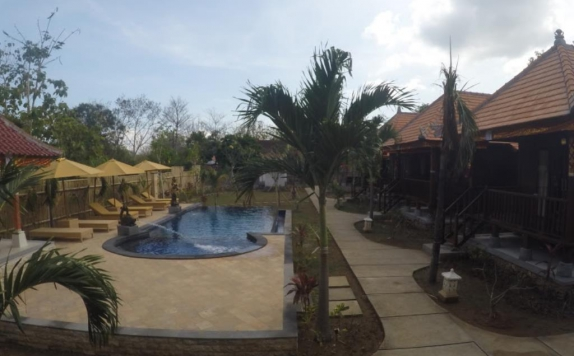 swimming pool di Dream Beach Cottages