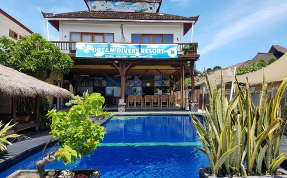 Outside Pool di Dream Divers