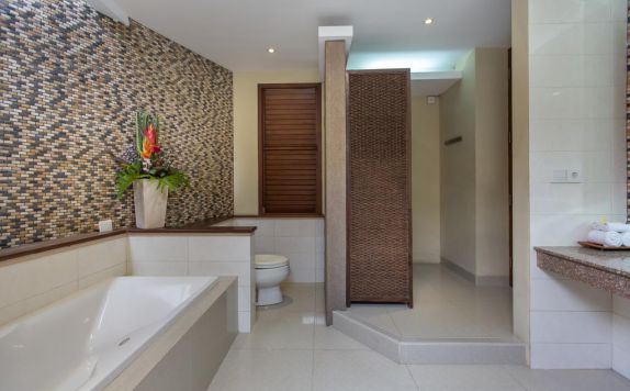bathroom di Dreamscape Bali Villa