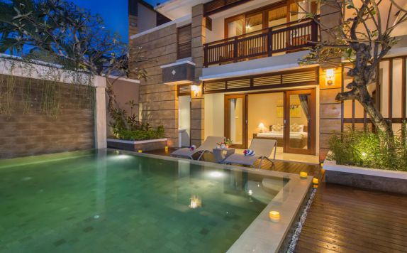 swiming pool di Dreamscape Bali Villa