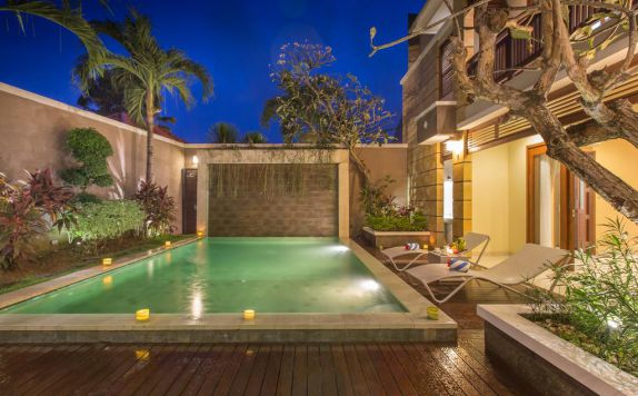 swimming pool di Dreamscape Bali Villa