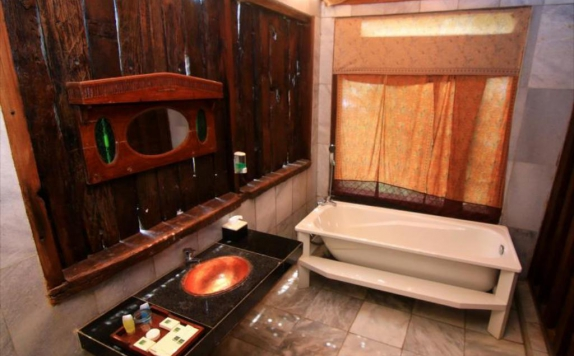 Bathroom di Dulang Resort and Resto