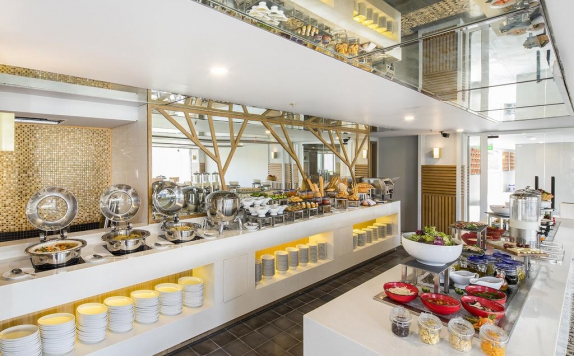 Buffet di Eastin Ashta Resort Canggu