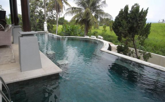 Swimming Pool di Euroservices Holiday Villa