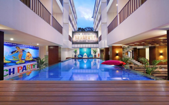 Swimming Pool di Fame Hotel Sunset Road