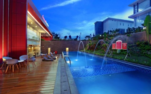 swiming pool di Favehotel Banjarbaru