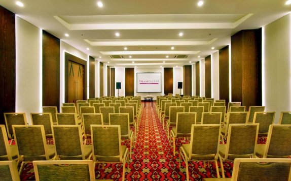 Meeting room di Favehotel Braga