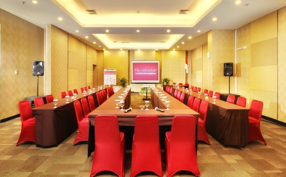 Meeting room di Favehotel Manahan