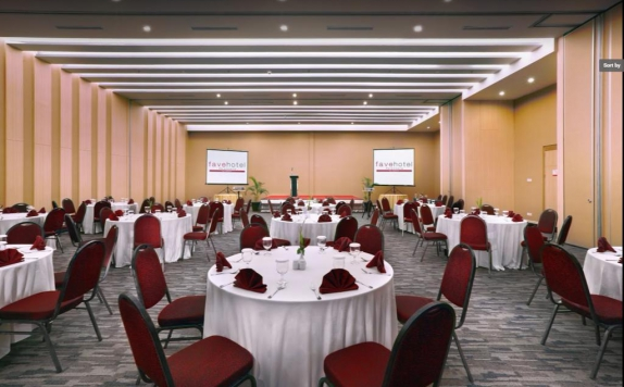 meeting room di Favehotel Palembang