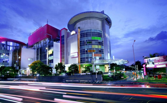Front view di Favehotel Pluit Junction