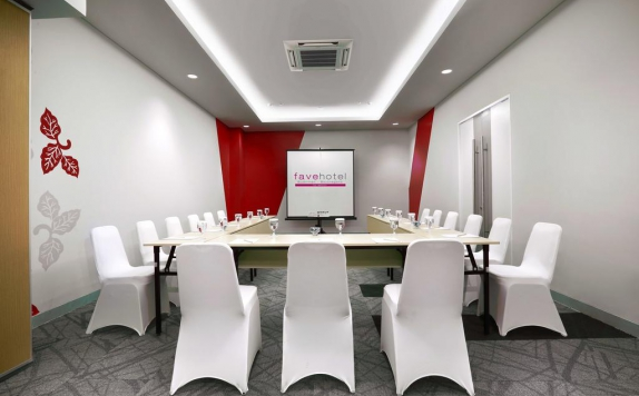 meeting room di Favehotel Sudirman Bojonegoro