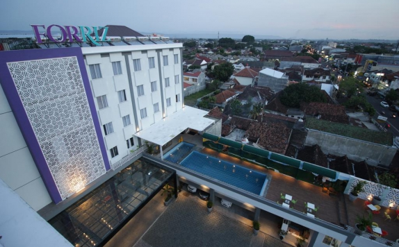 Front View di FORRIZ Hotel