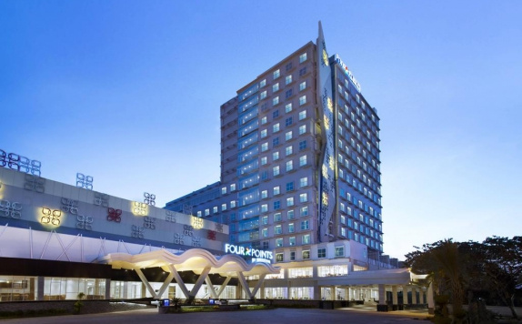 eksterior di Four Points by Sheraton Makassar
