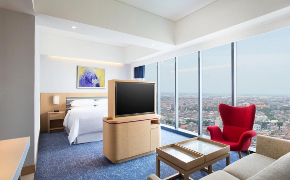 Guest Room di Four Points by Sheraton Surabaya