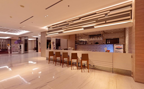 Bar di FOX Harris Hotel Pekanbaru