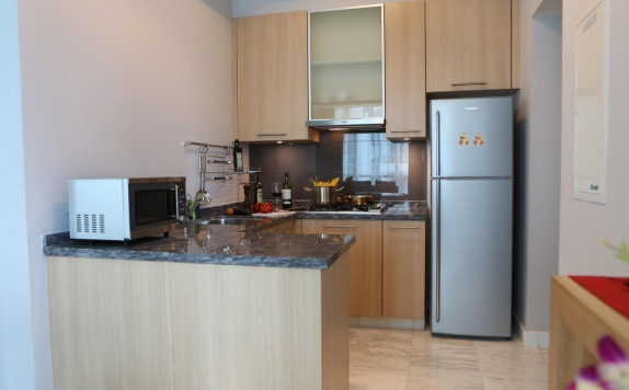 Kitchen di Fraser Residence Sudirman