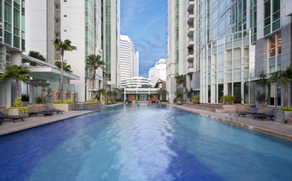 Swimming Pool di Fraser Residence Sudirman