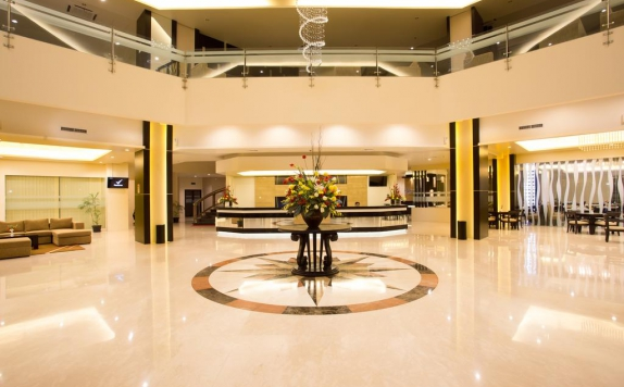 Interior Lobby di Golden Palace Hotel Lombok