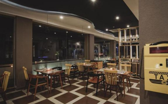 Cafe di Golden Tulip Essential Belitung