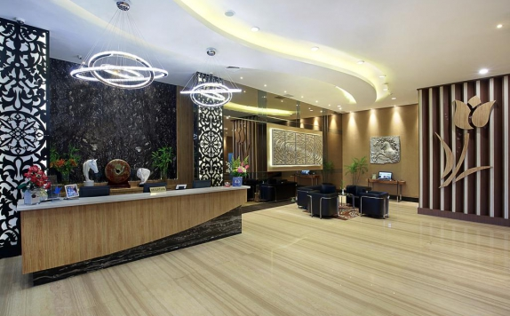 Receptionist di Golden Tulip Galaxy Banjarmasin