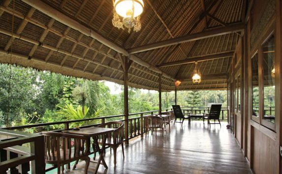 Restaurant OutDoor di Graha Moding Villas