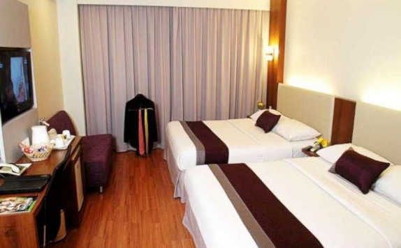 guest room twin bed di Grand Cemara