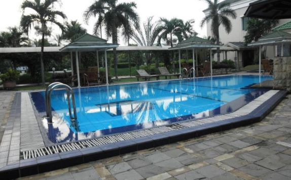 swimming pool di Grand Cikarang