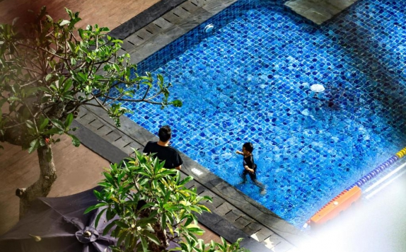 Swimming Pool di Grand Dafam Rohan Jogja