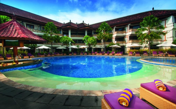 swimming pool di Grand Inna Kuta