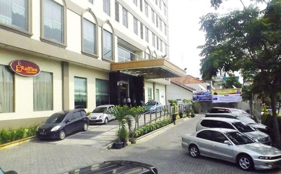 parking area di Grand Kanaya Hotel